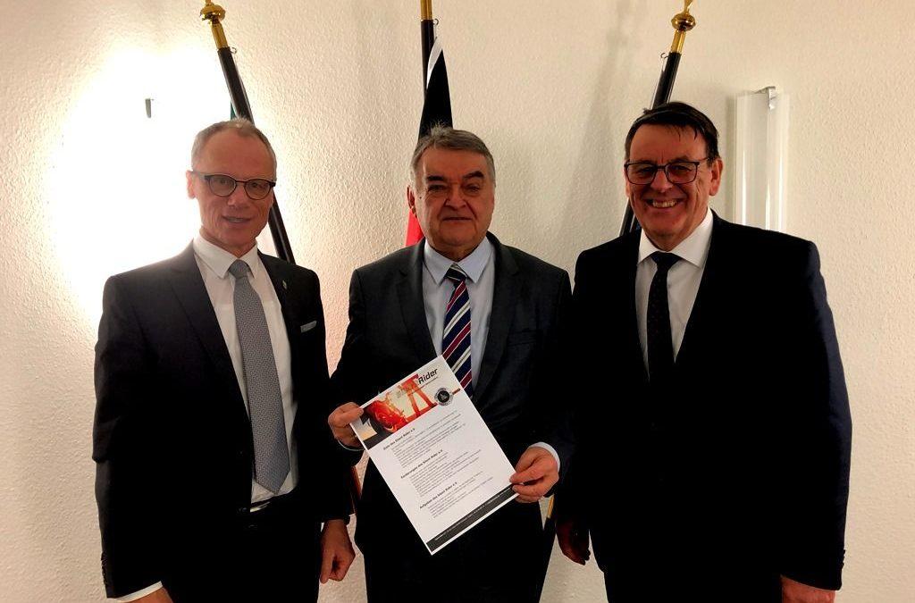NRW-Innenminister Reul begrüßt Initiative gegen Motorradlärm